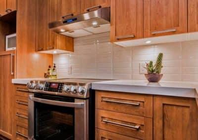 cabinetterie-du-bas-avec-rangement-sous-forme-de-tiroirs