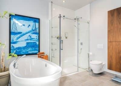 Renovation salle de bain avec douche de verre